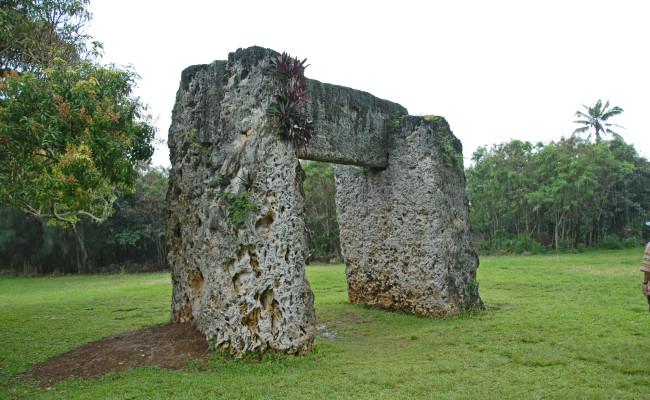 A45 F-0197 Ha'amonga'a (Stonehenge)